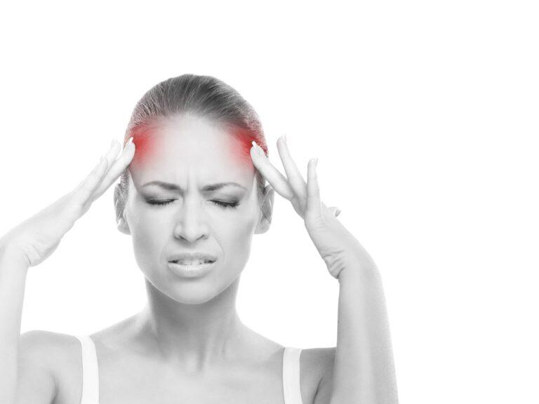 Come alleviare il mal di testa: rimedi naturali e Aculief.